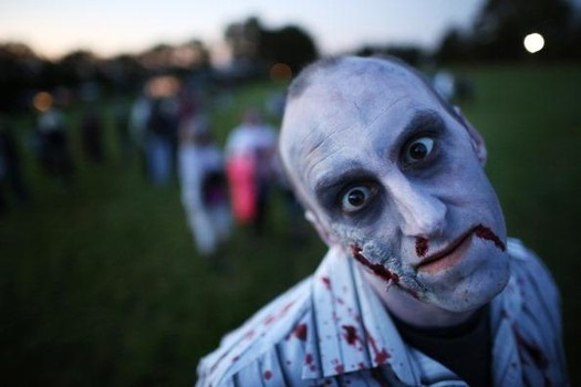 People Attempt A World Record For The Most Zombies In One Place