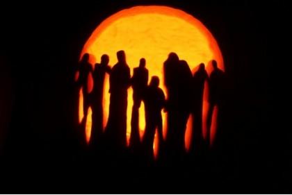Creative-Pumpkin-Carving-Zombies